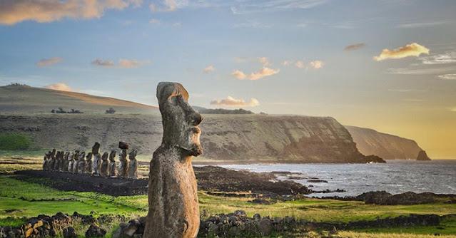 Estátuas Moai na Ilha de Páscoa