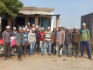 Jaunpur : आप ने स्वामी विवेकानंद की जयंती पर पार्टी से नौजवानों को जोड़ा