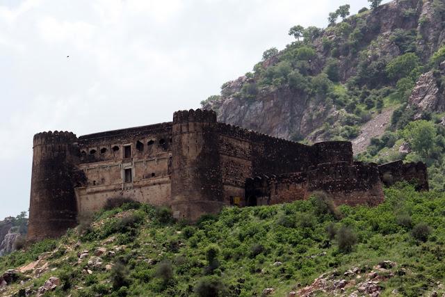 Bhangarh Fort, India - RictasBlog