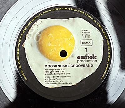Moosknukkl Groovband, Spiegelei Label