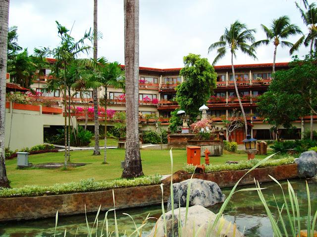 Изображение внутреннего двора отеля