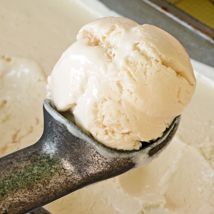 Vanilla Chai Tea Latte Ice Cream | No Machine Needed and Only Four Ingredients