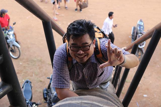 Tukang Jalan Jajan di Gawai Dayak XXXII di Rumah Radakng