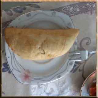 çiğbörek eskişehir çiğbörek yapılışı çiğbörek yapımı  börek yufka peynir pasta kek