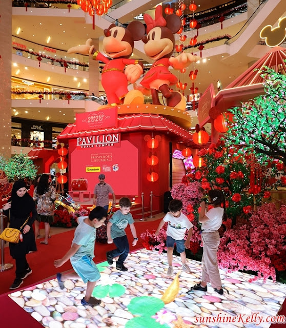The Prosperous Reunion, Mickey Mouse & Minnie Mouse, Pavilion KL, CNY 2020, Malaysia Shopping Mall Decor, Malaysia Shopping Mall Lifestyle