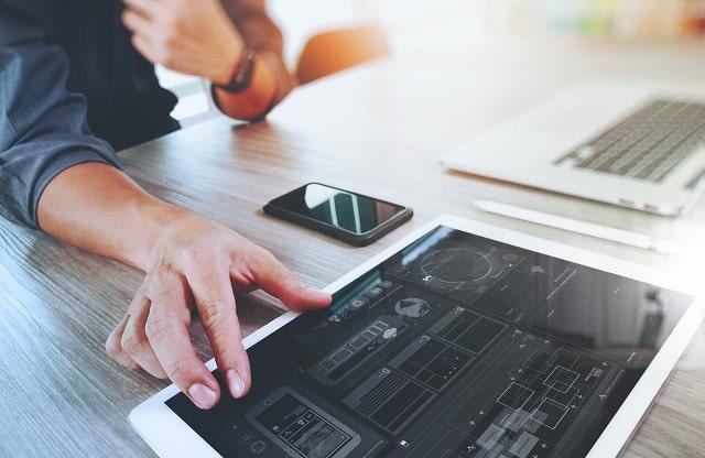 reasons hire a web designer build business website