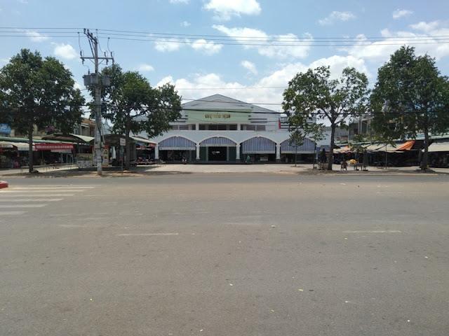 Chợ phường Hắc Dịch Phú Mỹ cách đất 300m