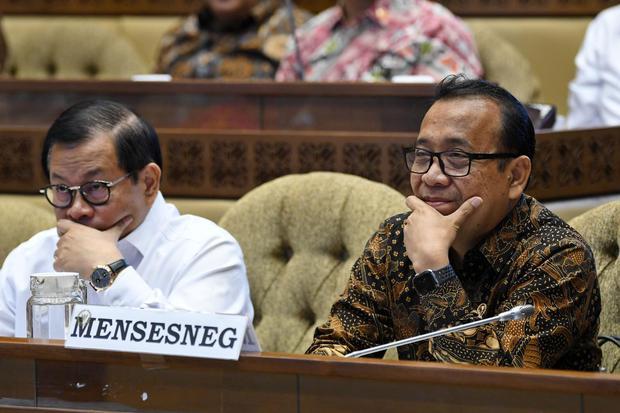 KPK Dalami Aliran Uang Korupsi PT DI ke Kemensetneg Era Jokowi