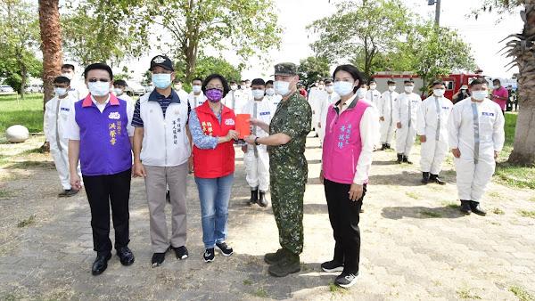 國軍化學兵群支援溪湖鎮熱點消毒 確保居家環境安全