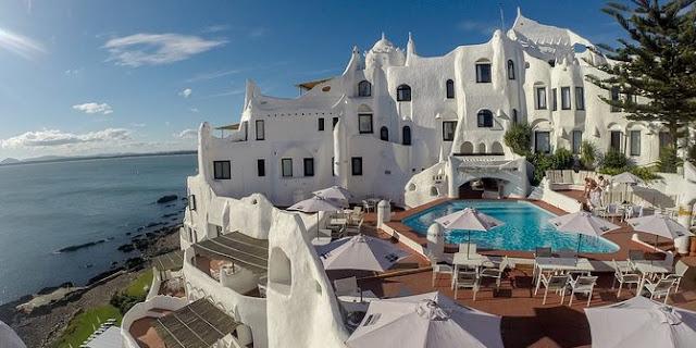 Hotel Di Uruguay Ini Dibangun Dengan Tangan Selama 36 Tahun