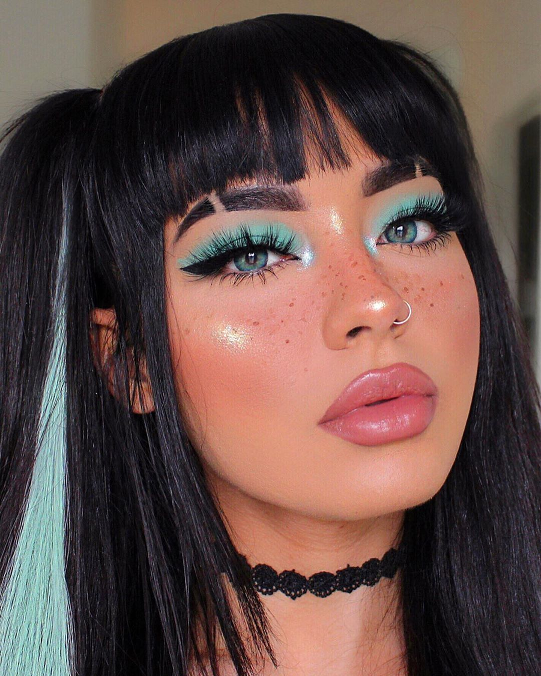 Maquiagem sombra verde mint