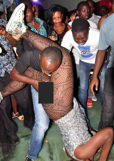 PICS You Wont Believe What People Do With Strip Pers In Clubs