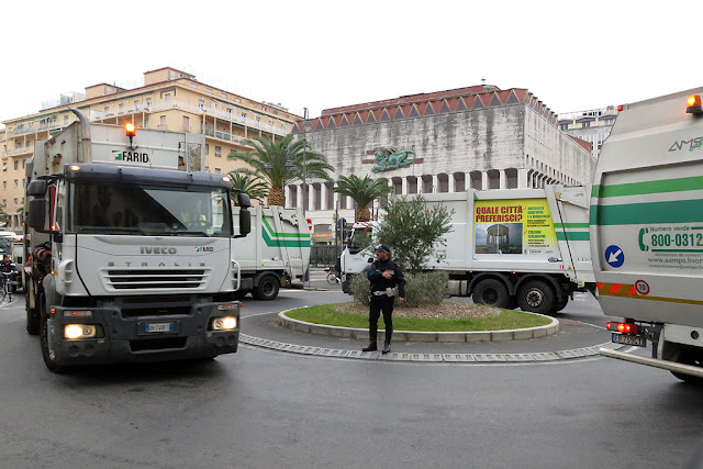 Garbage collection trucks, Piazza del Municipio, Livorno