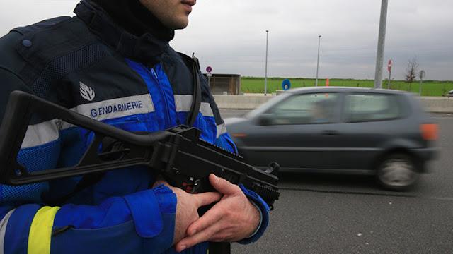 Roban 5 millones de euros a dos mujeres cataríes en una autopista parisina
