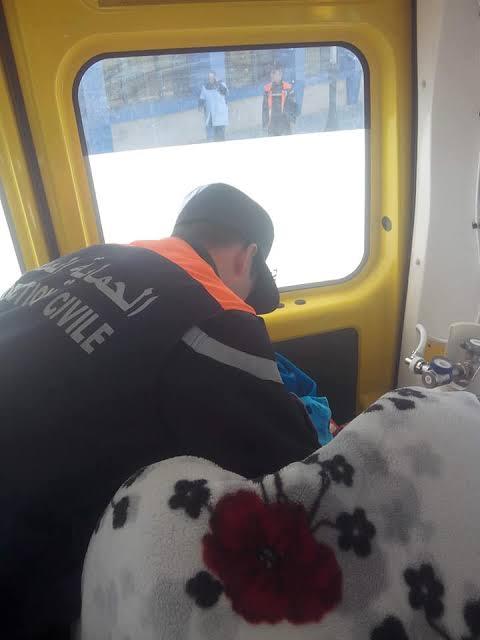 تضع مولودها داخل سيارة إسعاف للمرة الثانية في شهر ديسمبر
