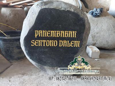 Nisan Kuburan Batu Kali