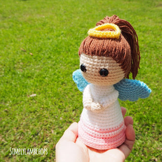 Angel doll (pattern by DioneDesign)