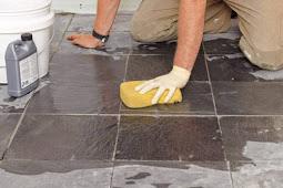 Cara Membersihkan Lantai Keramik yang Baru Dipasang Dari Bekas Semen dan Cat