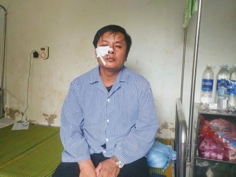 Tố Chánh án TAND huyện đánh người: 'Đã nói chuyện tình cảm'