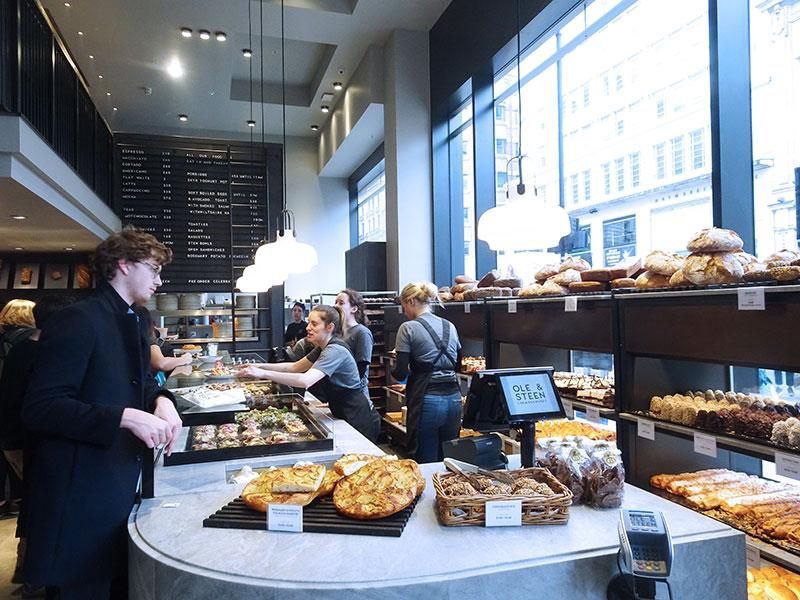 Ole_&_Steen_Danish_Cafe_Cake