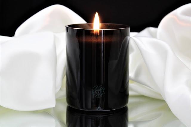 bougie intérieur figuier l'artisan parfumeur avis, avis bougie intérieur figuier l'artisan parfumeur, intérieur figuier l'artisan parfumeur, bougie parfumée intérieur figuier avis, intérieur figuier bougie parfumée l'artisan parfumeur,  bougies parfumées naturelles, bougie l'artisan parfumeur avis, bougies, bougie parfumée à la cire végétale, home fragrance, blog sur les bougies, bougie naturelle made in france, parfum d'ambiance, parfum naturel pour la maison, bougies parfumées l'artisan parfumeur avis