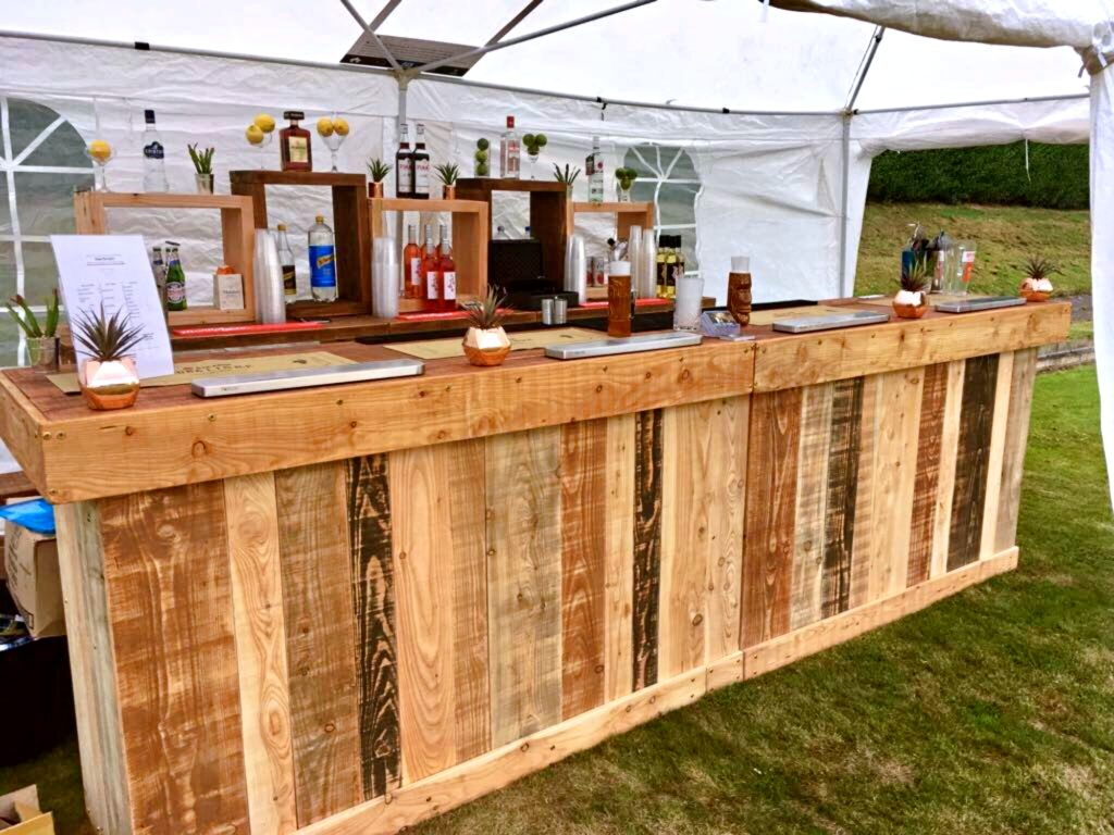 Why You Should Invest in the Mobile Bar Hire for Events
