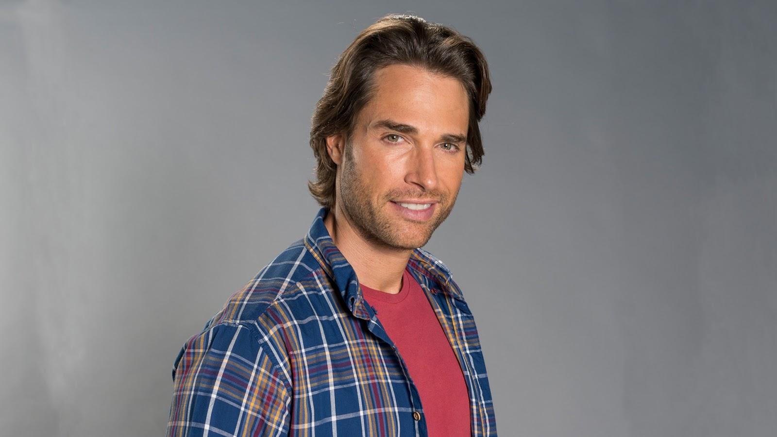 Sebastián Rulli é Santiago