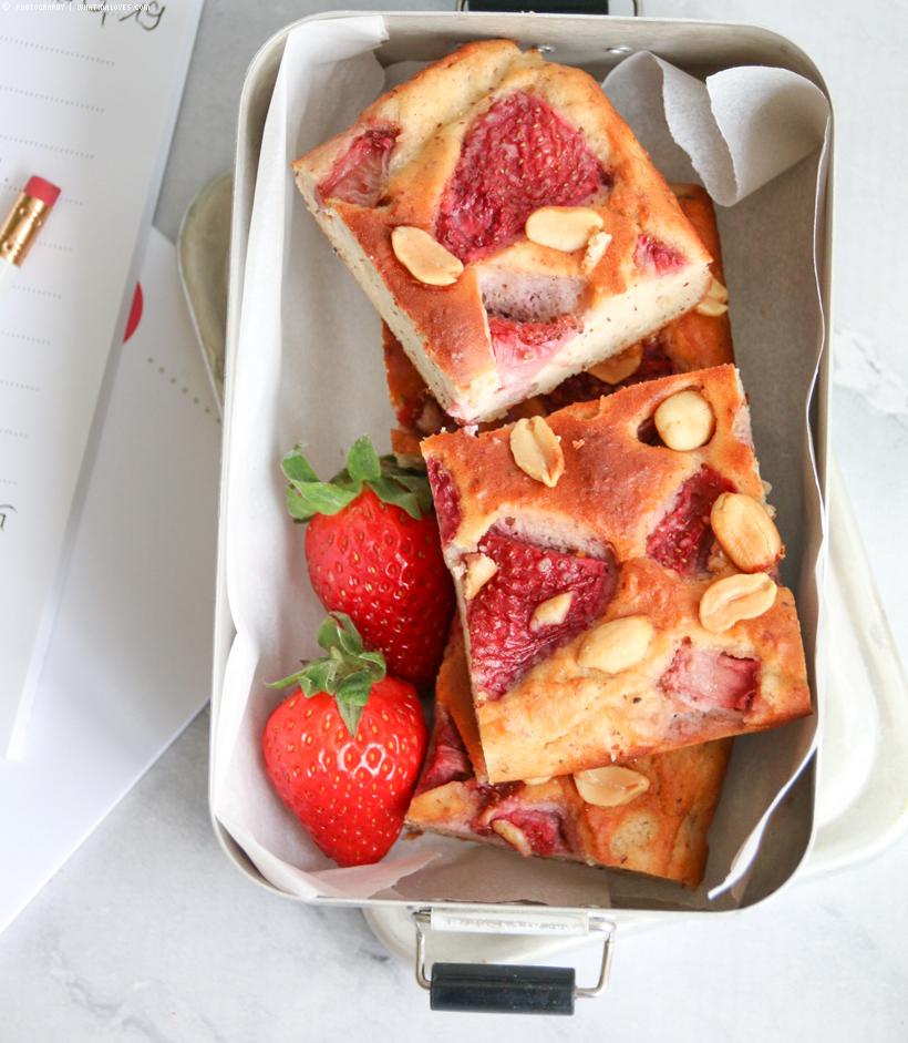 gesunde Erdbeer-Erdnussbutter-Schnitten