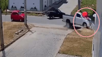 Câmera flagra momento em que caminhonete perde o controle e atropela mulher na PB