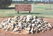 Placa no Forte Sumner, no Novo México, nos Estados Unidos, lembrando o período em que os Navajos estiveram exilados no local