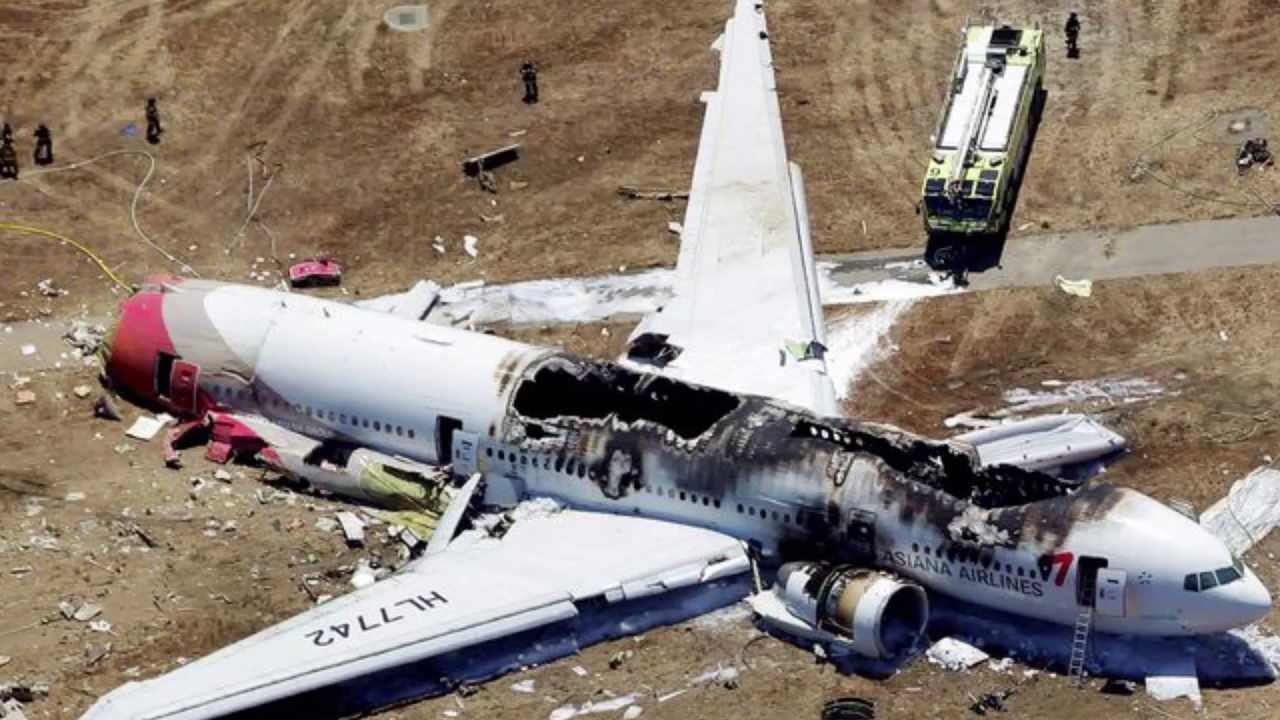 Aviation Accidents and Incidents: News: Today a boeing 777 from
