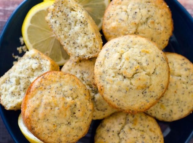 Healthy Lemon Poppy Seed Muffins #breakfast #healthy
