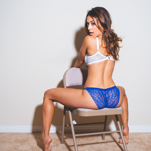 Tianna Gregory Hot Pics and Bio