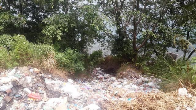 Bibir Pantai Huta Tangga Batu, Haranggaol, dijadikan TPA sampah oleh Pemkab Simalungu