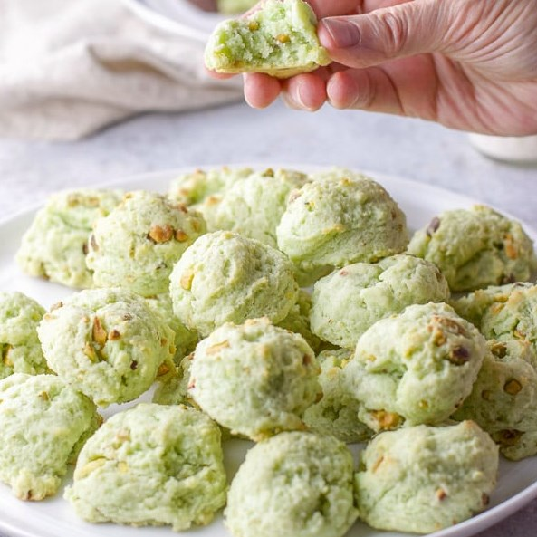 PISTACHIO COOKIES | CREAM CHEESE ROUNDS #desserts #cookierecipes