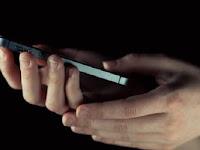 Ponsel Berdering Saat Shalat, Apa Yang Harus Dilakukan ?