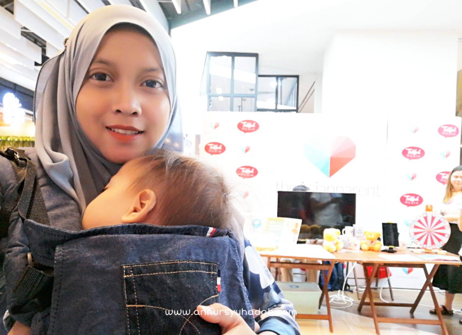 International Babywearing Week (IBW) is a week-long opportunity to celebrate, promote, advocate for, and focus media attention on the many benefits of babywearing, Babywearing Week 2019 di The School by Jaya One, Malaysian Babywearers (Persatuan Penggendong Bayi Malaysia)