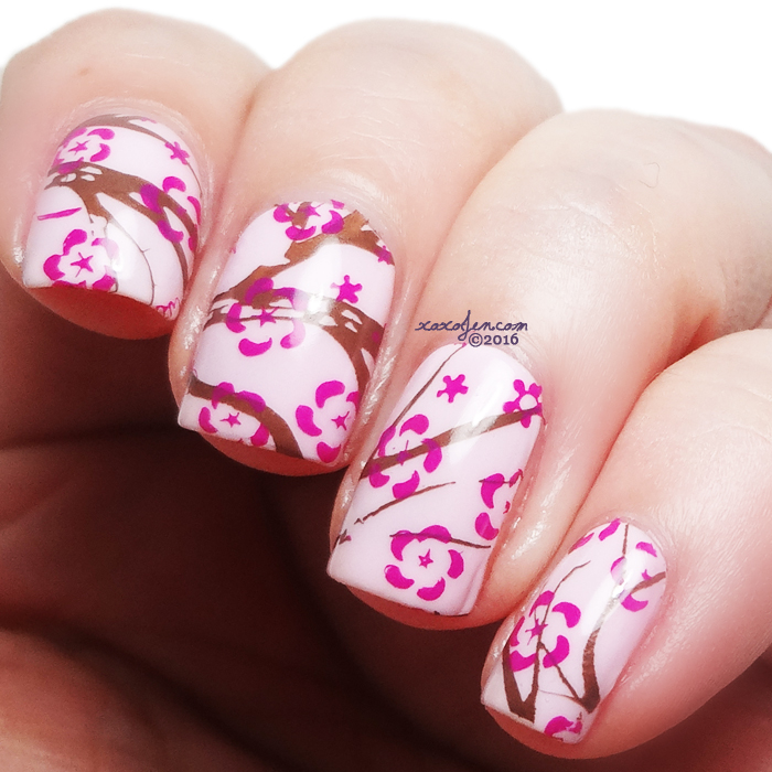xoxoJen's swatch of Top Shelf Flowers stamping
