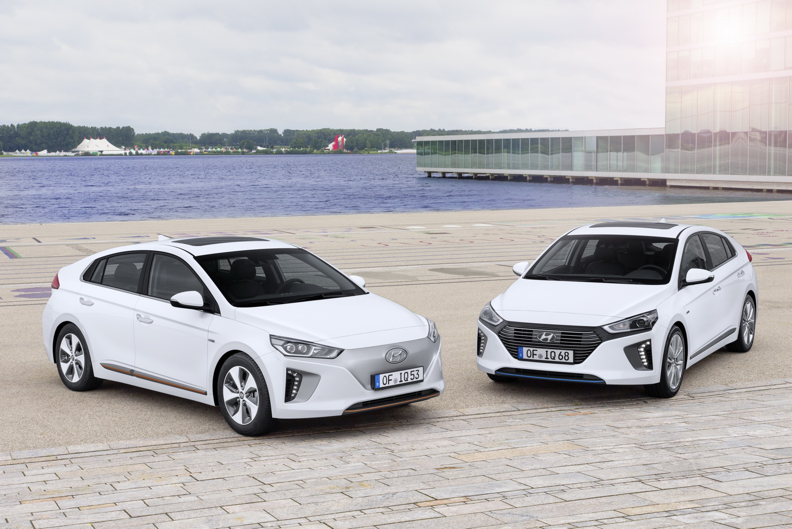 hyundai ioniq range detailed priced from 19 995 in the uk 88 pics. Black Bedroom Furniture Sets. Home Design Ideas