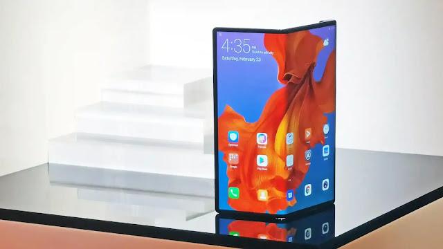 سامسونج تقدم عددا هائل من شاشاتها القابلة للطي لشركة آبل الأمريكية