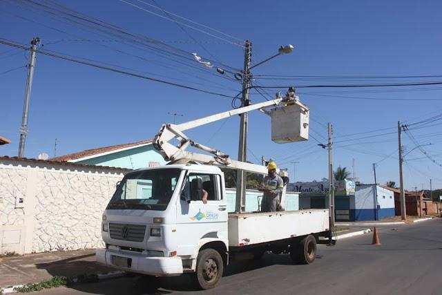 Senador Canedo: luminárias de LED começaram a ser instaladas na cidade