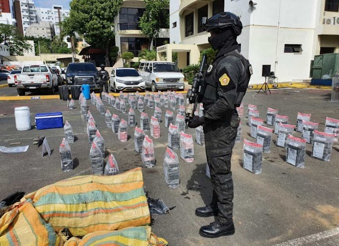 DNCD, Armada Dominicana y Ministerio Público ocupan 615 paquetes de cocaína en San Pedro y Azua