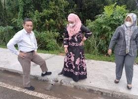 DPRD Muaro Jambi Sidak Pembangunan Trotoar Komplek Kantor Bupati.