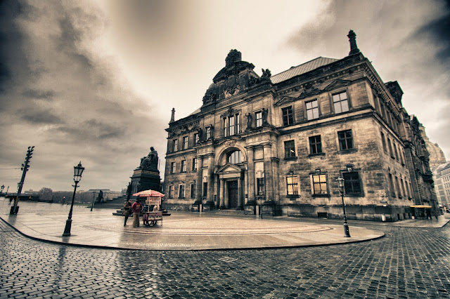 Schlossplatz-Dresda