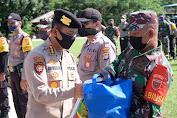 Sinergitas TNI-Polri  Kembali Salurkan Ribuan Sembako di Sulbar