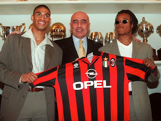 Galliani, with Dutch players Michael Reiziger (left) and Edgar Davids, was responsible for recruitment