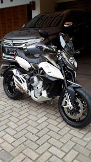 FORSALE Ducati MV Agusta Stradale 800cc 2014