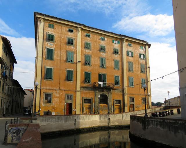 Palazzo del Refugio, Scali del Refugio, seen from Viale Caprera, Livorno