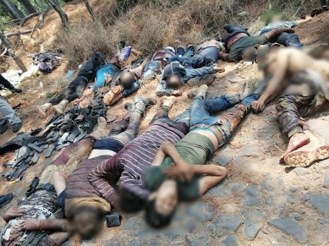 Fotografias.- Fueron 21 Sicarios en enfrentamiento de Michoacan, entre Viagras y CJNG, reportan hay mas de 12 viagras escondidos y heridos