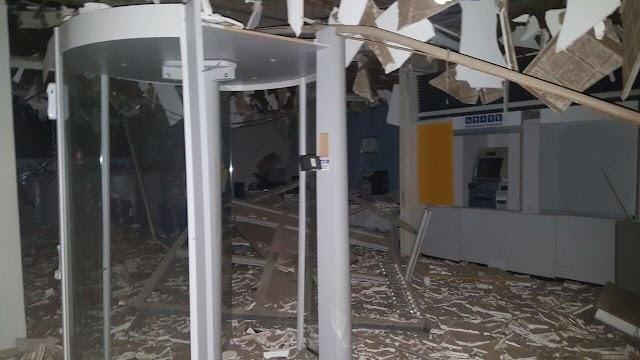 Quadrilha explode duas agências bancárias simultaneamente na cidade de Potengi